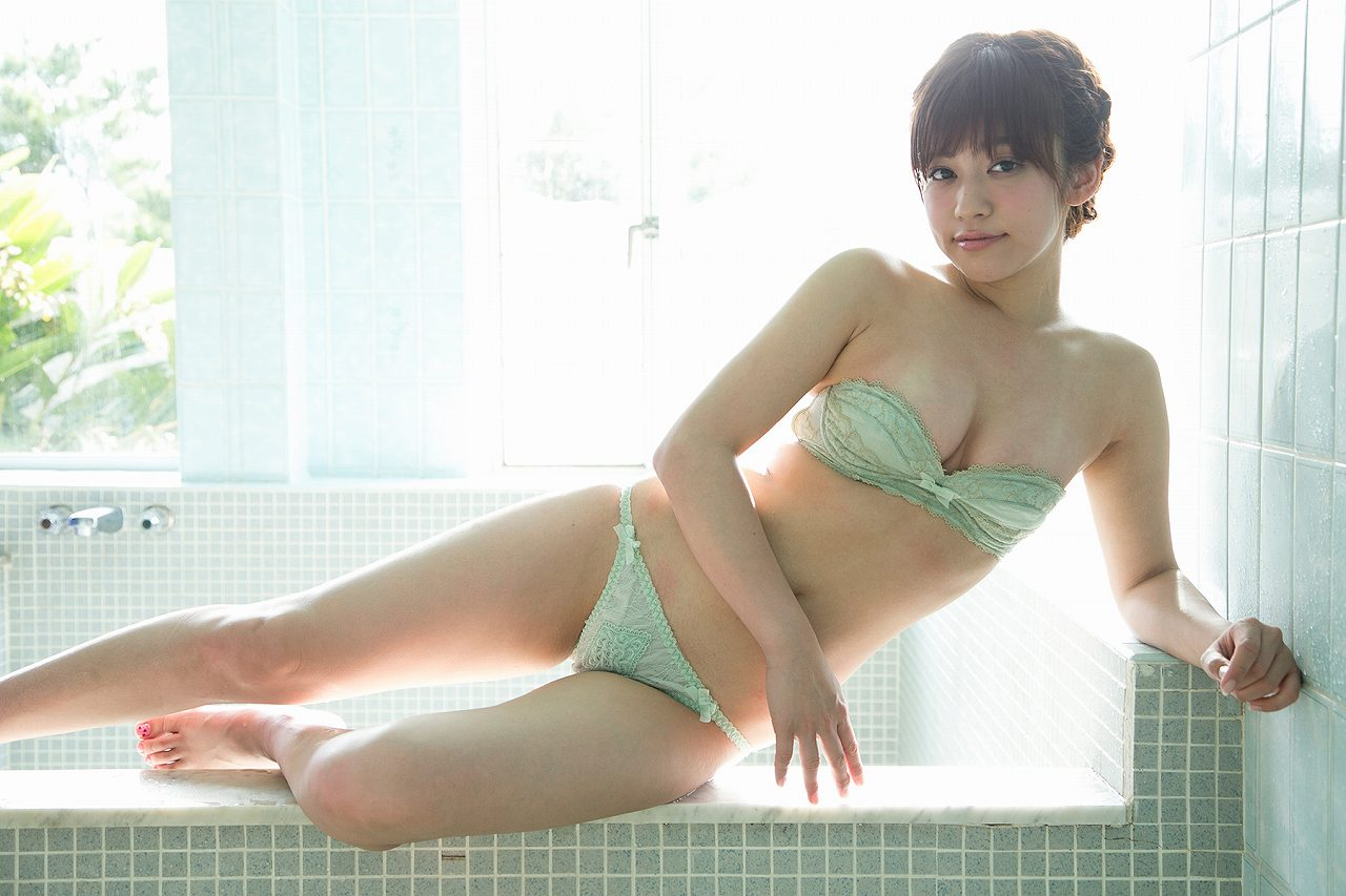 大澤玲美の水着グラビア