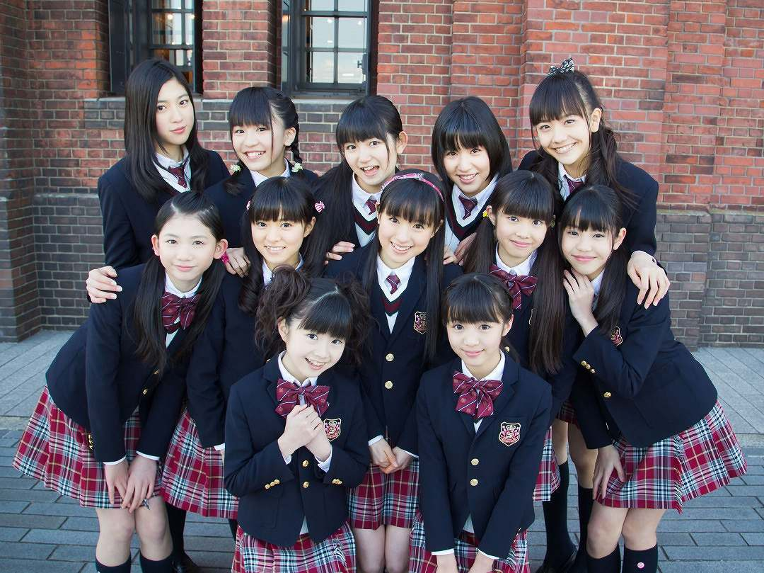 さくら学院時代の三吉彩花と松井愛莉