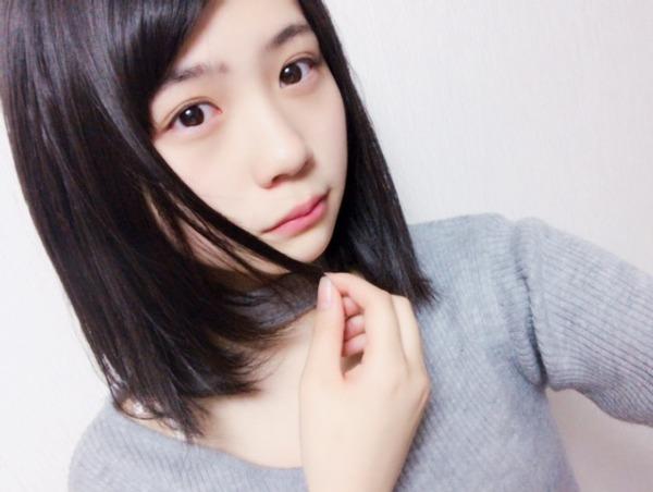 小畑優奈の自撮り画像