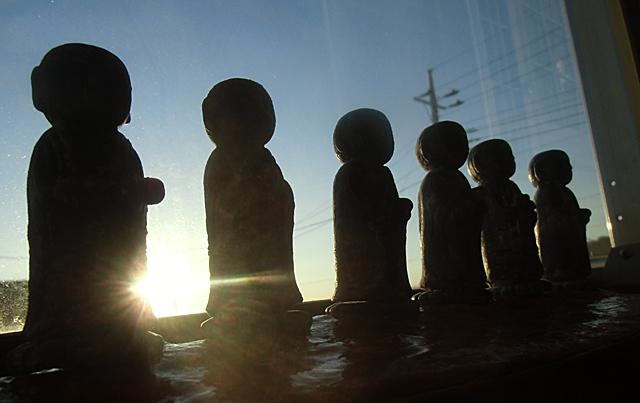 日の出の六地蔵