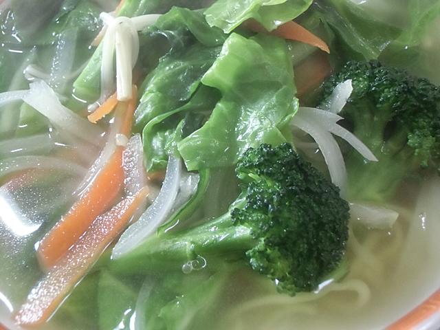 たっぷりの茹で野菜