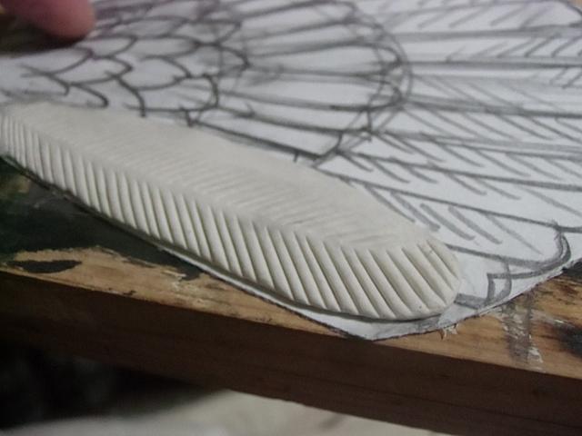外から羽根を作ります