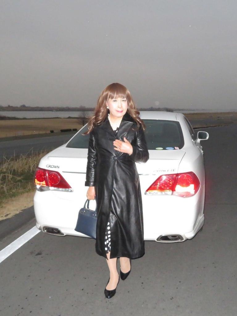 黒ロングコート土手スナップA(6)