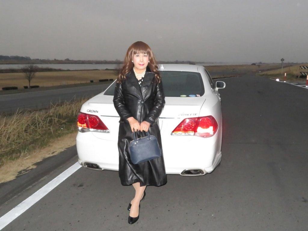 黒ロングコート土手スナップA(8)