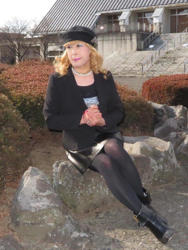 黒レザーミニフレア黒帽子UP(9)