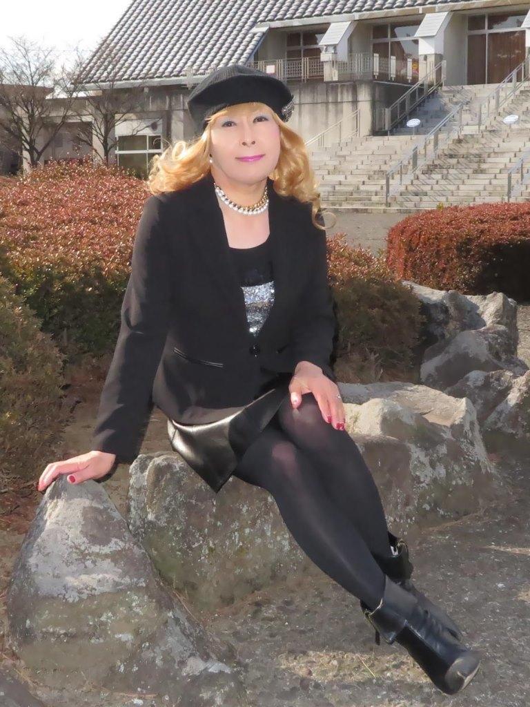 黒レザーミニフレア黒帽子UP(11)