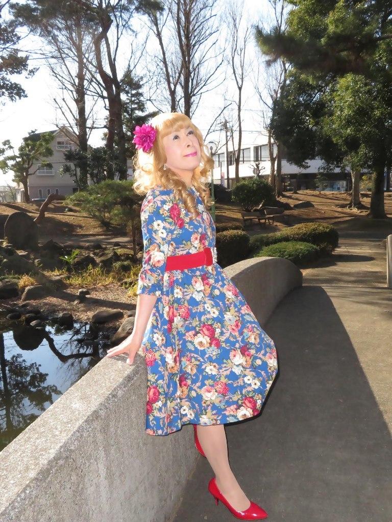 花柄ワンピ赤い靴B(1)