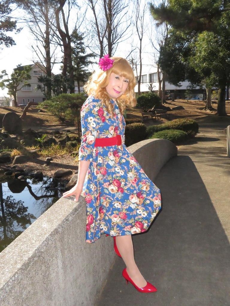 花柄ワンピ赤い靴B(2)