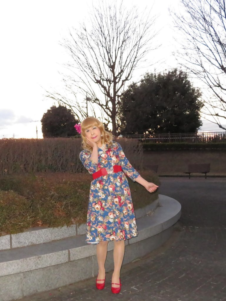 花柄ワンピ赤い靴C(2)