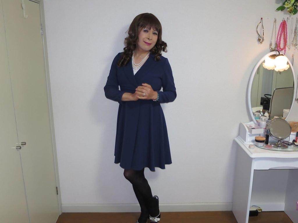 紺色のワンピ室内A(8)