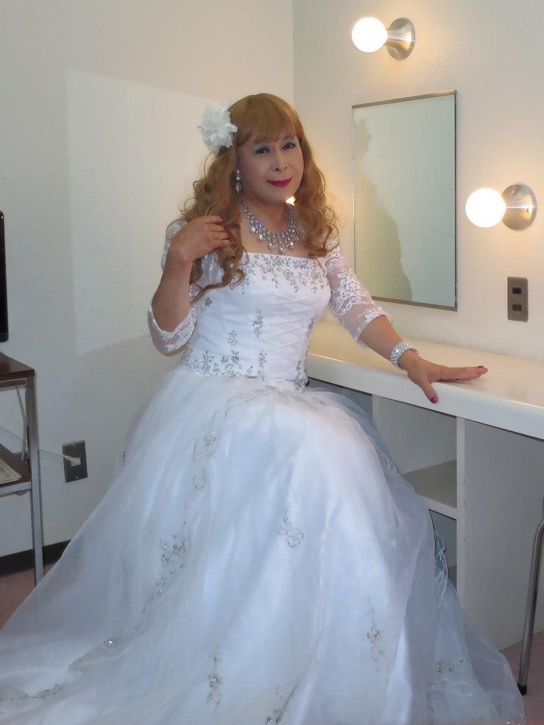 白ドレス舞台更衣室にてB(3)
