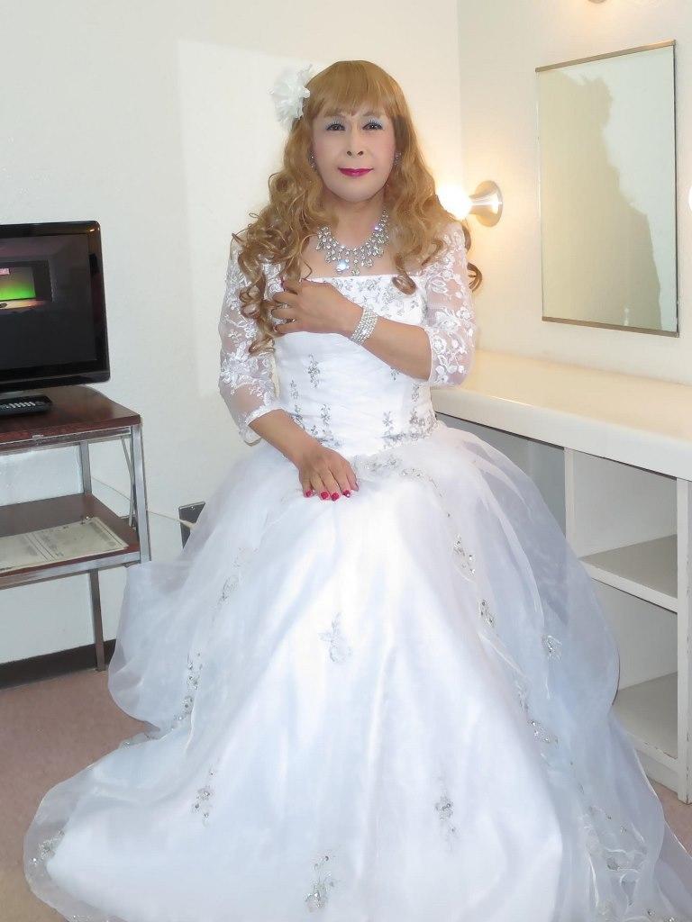 白ドレス舞台更衣室にてB(2)