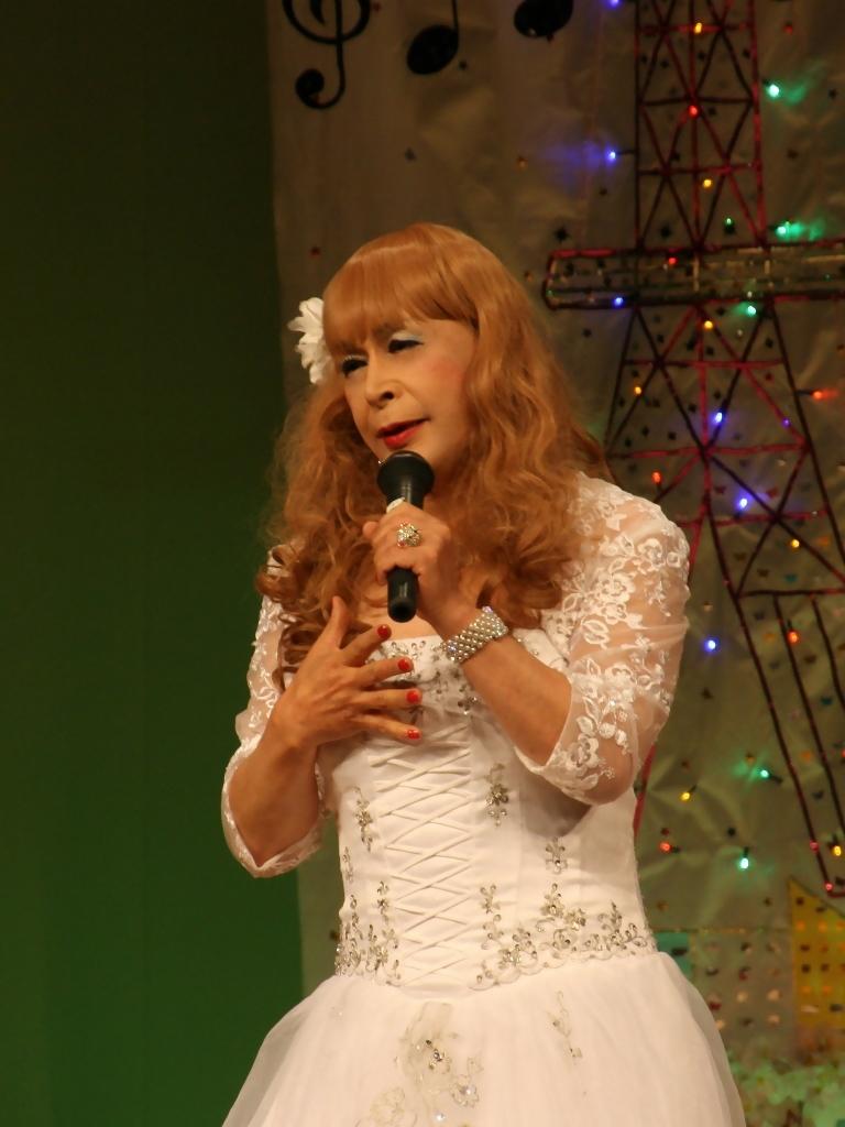 白ドレス舞台おんな炎B(2)