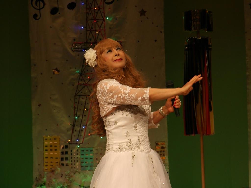 白ドレス舞台おんな炎B(10)
