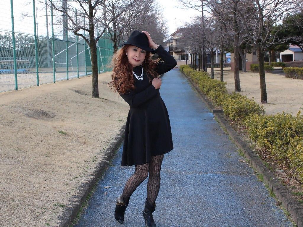黒帽子黒フレアーワンピB(2)