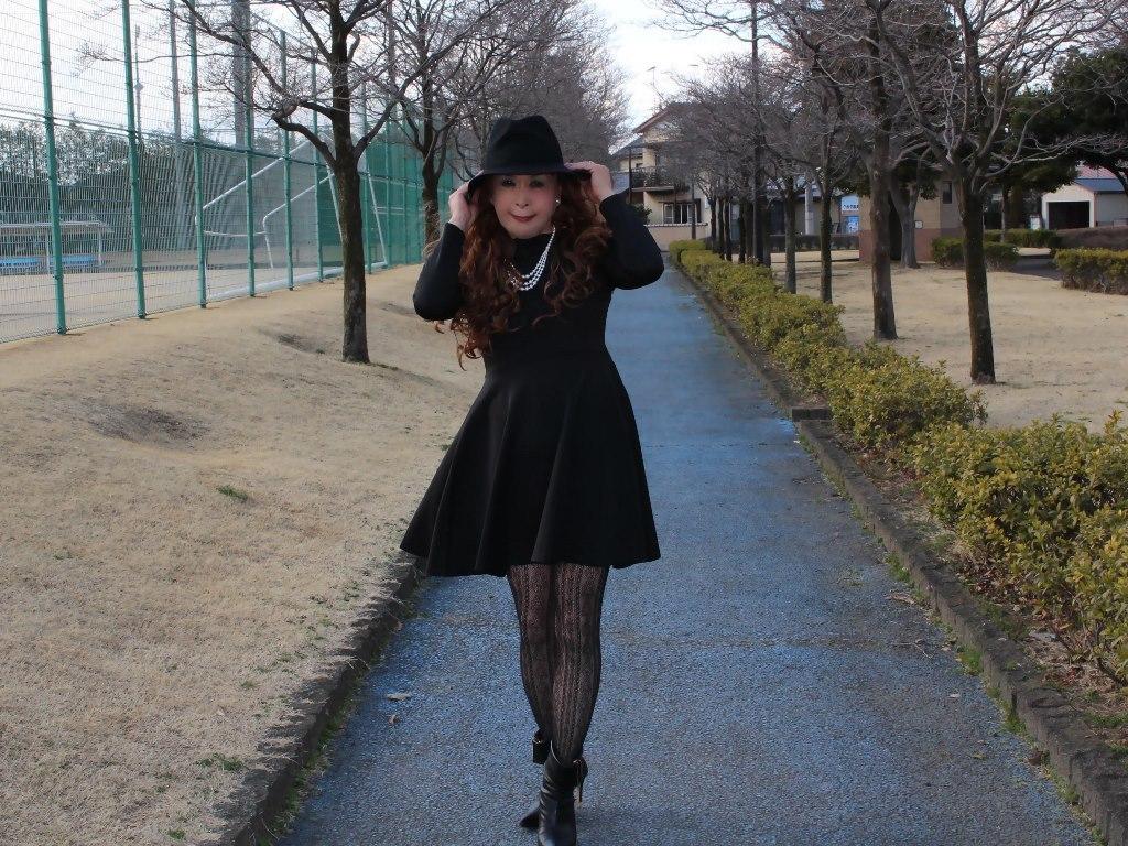 黒帽子黒フレアーワンピB(1)