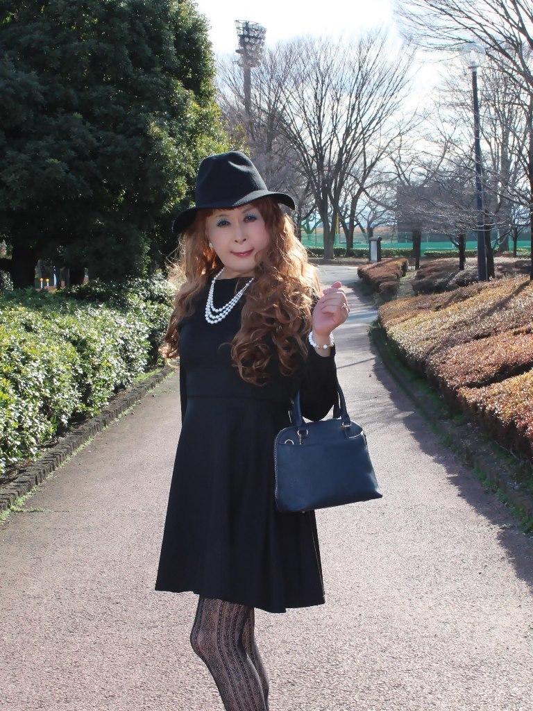 黒帽子黒フレアーワンピC(2)