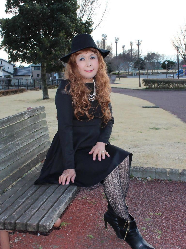黒帽子黒フレアーワンピD(2)