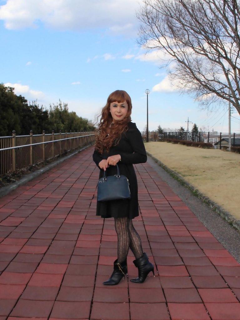 黒フレアーワンピース(2)