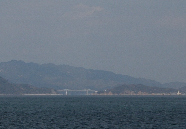 IMG_7778 鹿島へ渡る橋(600x417)