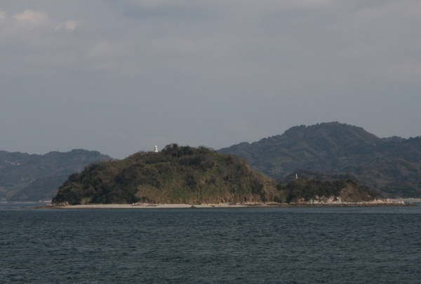 IMG_7808 クダコ島灯台(600x405)