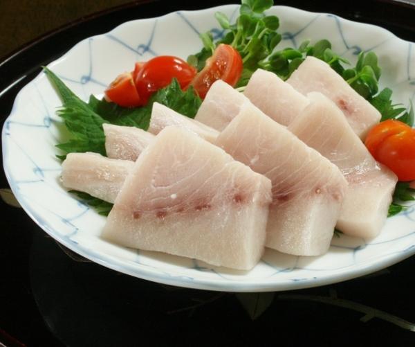 IMG_8061 メカジキ刺身(600x501)