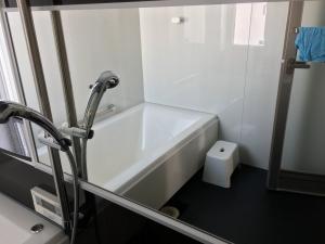 新品のお風呂場の鏡