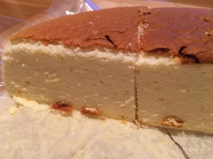 フルーツケーキファクトリーのチーズケーキ断面