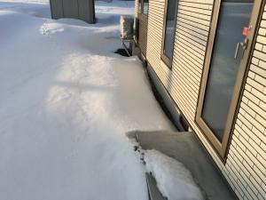 基礎の周りの雪