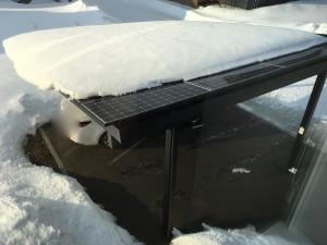 今朝の太陽光パネルの積雪状況