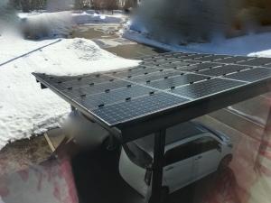 太陽光発電本格再開時のパネルの積雪