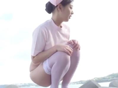 佐山彩香ちゃん激エロのナースコスで下半身丸出しになっている動画