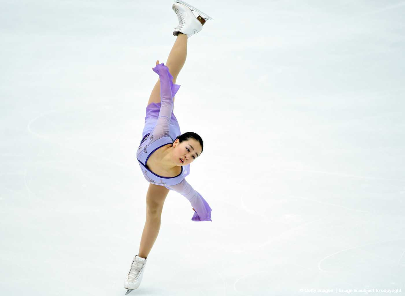 FigureSkatingMaoAsada20152016tripleaxel08.jpg