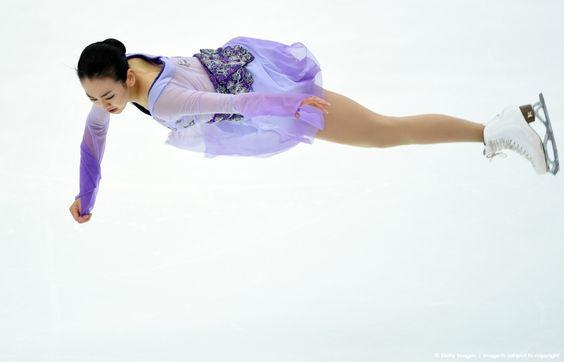 FigureSkatingMaoAsada20152016tripleaxel11.jpg