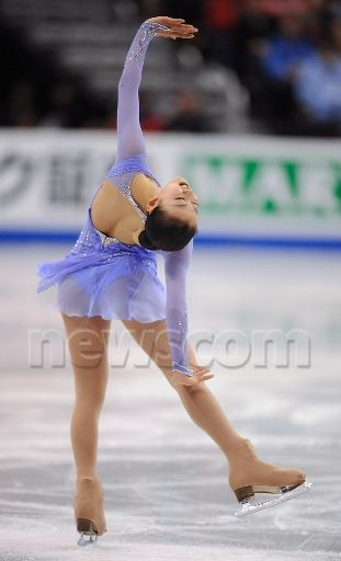 Mao-Asada-Figure-Skater-Skating-Claire-Du-Lune-2008-purple44a.jpg