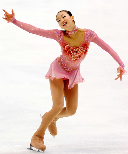Mao-Asada-Masquerade-Pink-Rose-Dress-Short-Tarasova-2009-2010-season18.jpg