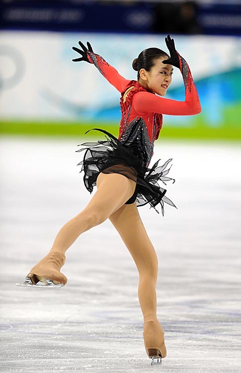 Mao-Asada-Triple-Axel-Moscow-of-Bells-Best-Program-2009-2010-WC-Olympics067.jpg