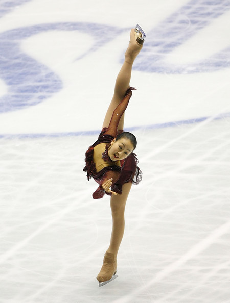 figure-skating-mao-asada-masquerade-red-dress19.jpg