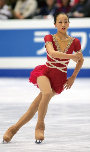 mao-asada-csardas-2006-triple-axel-jumper-figure-skating7.jpg