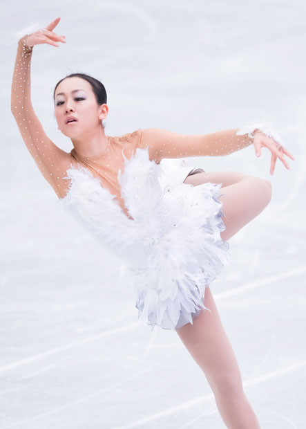 mao-asada-swan-lake-2012-2013-free-bird0.jpg