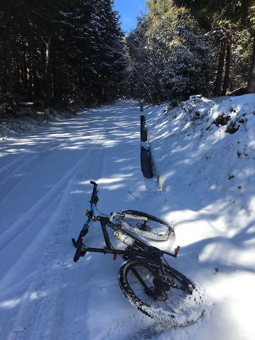 3 入口の雪IMG_4316
