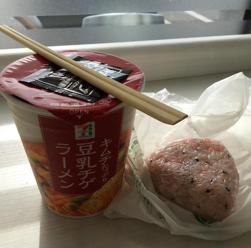 3 カップ麺IMG_4339