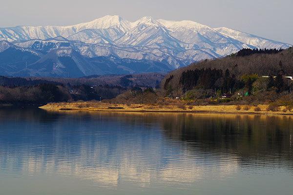 釜房湖から蔵王連峰