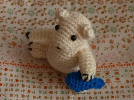 編みぐるみ シロクマ 2