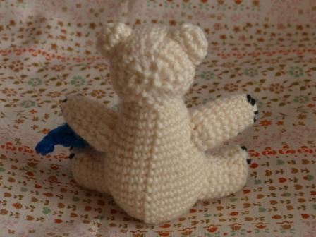 編みぐるみ シロクマ 3