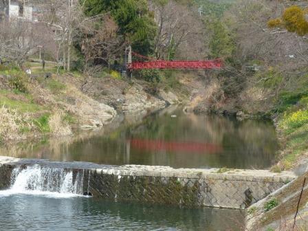 岩堰の風景 (赤橋)