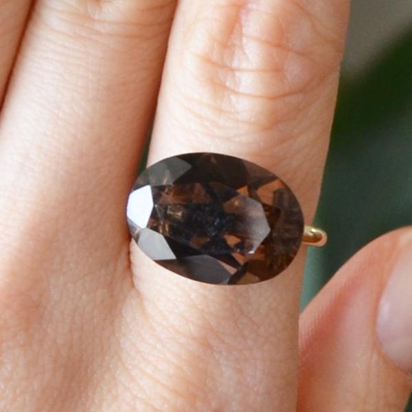 K18YG製イエローゴールドスモーキークォーツリング指輪