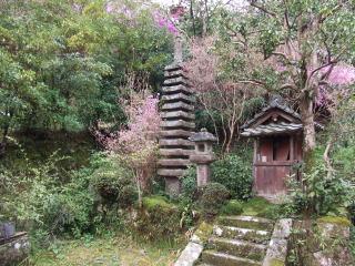 神童寺十三重石塔
