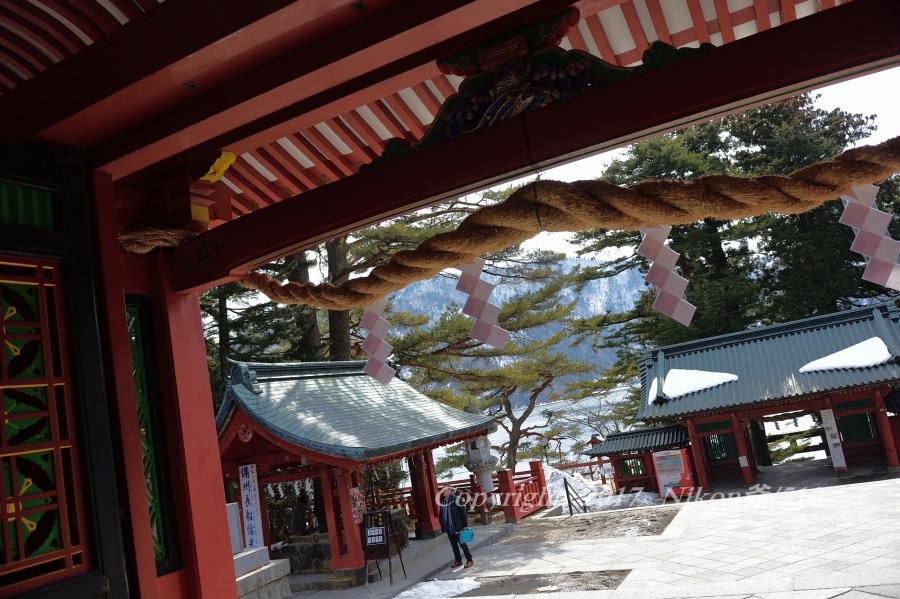 神社から中禅寺湖SN