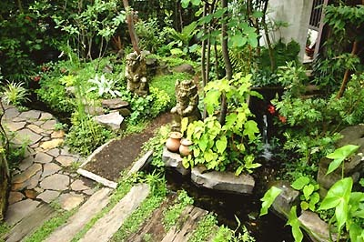 ここちよい庭づくり(個人宅のお庭の 造園工事、手入れなど)